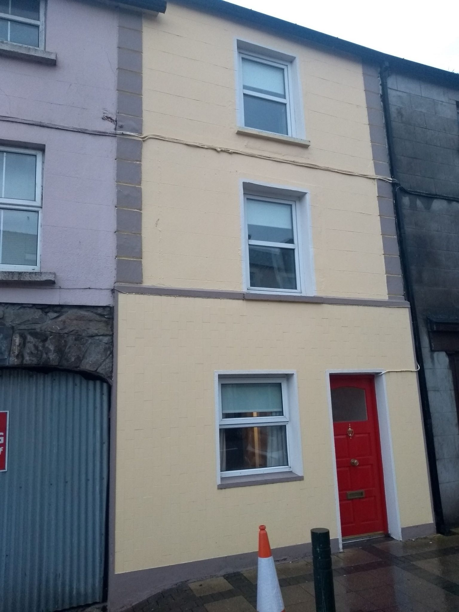 4 Bedroom Townhouse To Let