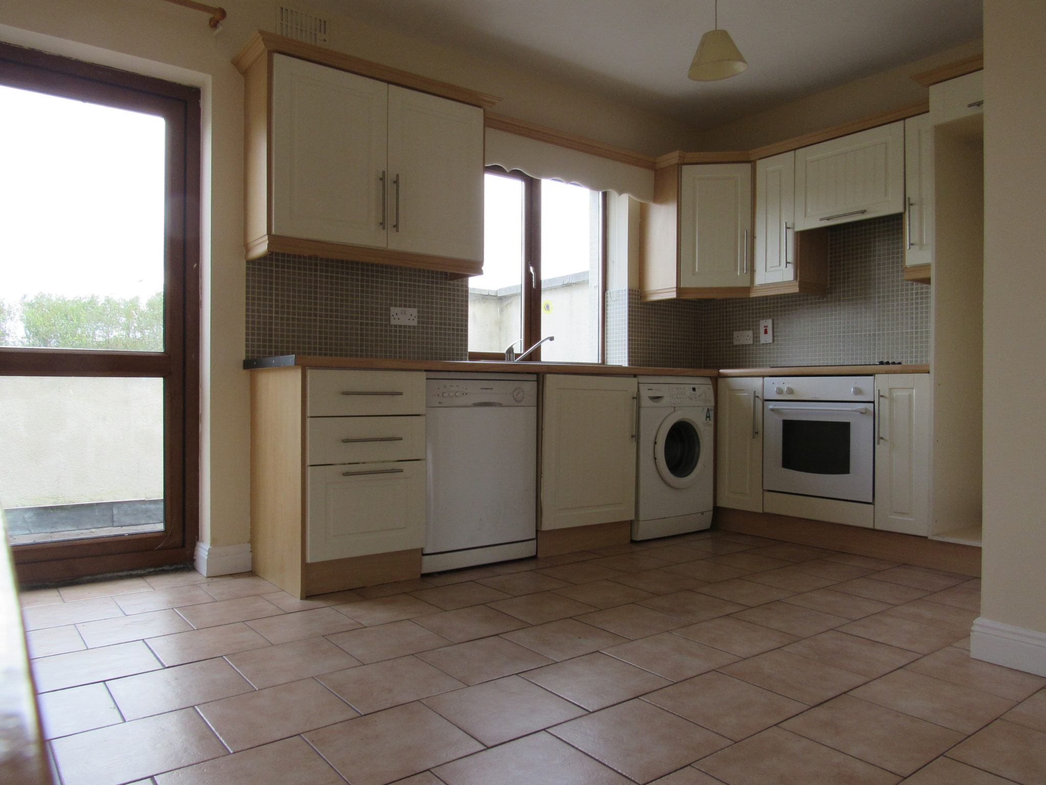 Two Bed Apartment To Rent , Edgeworthstown , Co. Longford